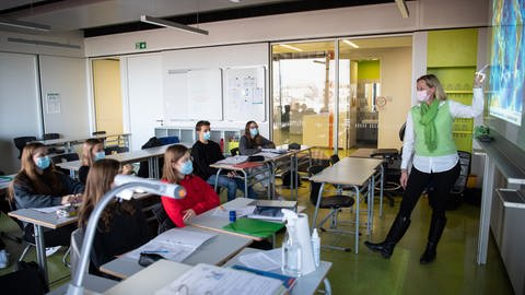 Unterricht zu Zeiten von Corona (Foto: picture-alliance / Reportdienste, Picture Alliance/ Matthias Balk)