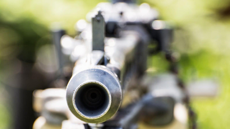 Deutsches Maschinengewehr aus dem 2. Weltkrieg in Nahaufnahme (Foto: Imago, IMAGO / agefotostock)
