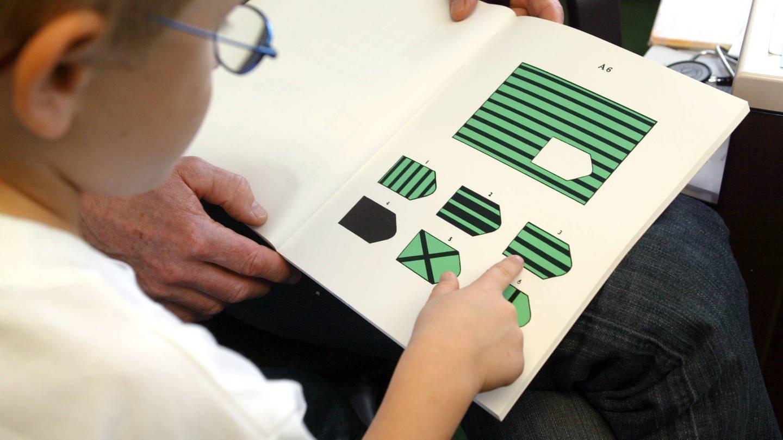 Untersuchung bei der Einschulung: Beeinflusst die Tagesform das Ergebnis eines Intelligenztests? (Foto: Imago, IMAGO / JOKER)