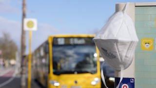 Anhand der Studie konnte nicht festgemacht werden, wo die Corona-Infektion stattfand – im Bus oder an einem anderen Ort.  (Foto: Imago, imago images/Sabine Gudath)