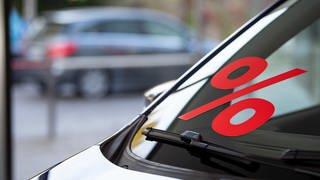 Ein neues Auto - aber welches?  (Foto: picture-alliance / Reportdienste, Picture Alliance)